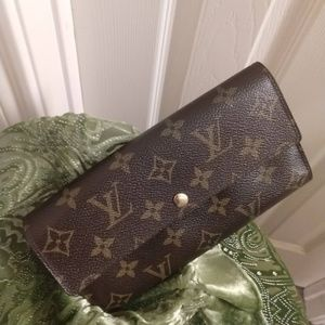 Louis Vuitton Sarah Long Wallet